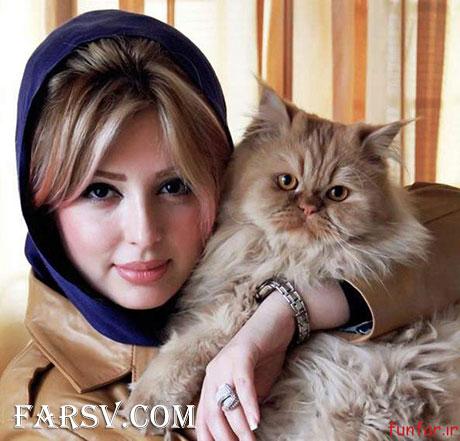 عکس نیوشا صیغمی و گربه اش